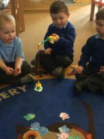 Spr 1: 'Fishing' for numbers, working on number recognition.